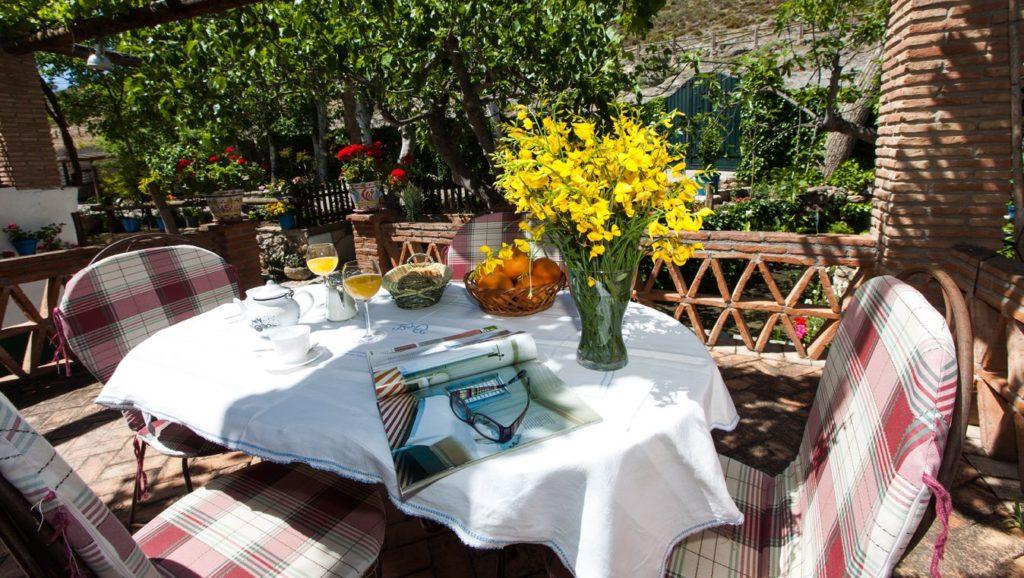 razones para reservar terraza y desayuno de la casa seña anica
