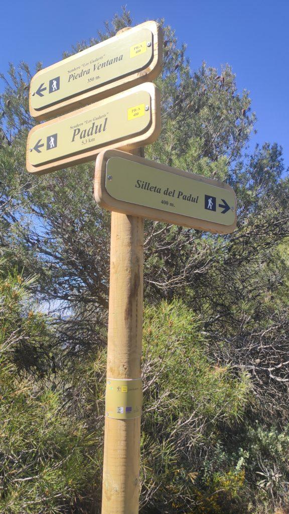 señalización ruta de senderismo en padul granada